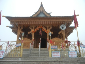 The local lore is that the Hatu Temple is dedicated to Mandodari, wife of Ravana, who kidnapped Sita and met his end at Lord Ram's hands.]