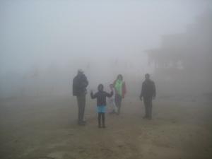 Walking to the Hatu Mata Temple (1)