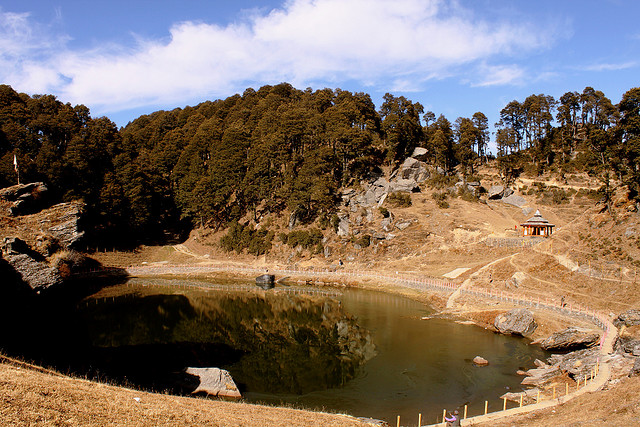 Serolsar Lake - Image courtesy of www.troutvalley.co.in