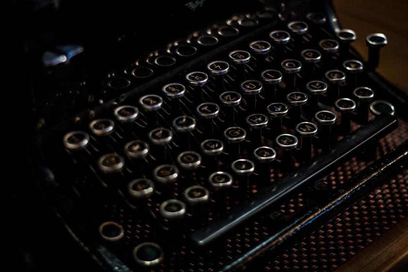 typewriter-1031024_1280
